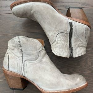 Lucchuse Ericka distressed leather Booties size 9